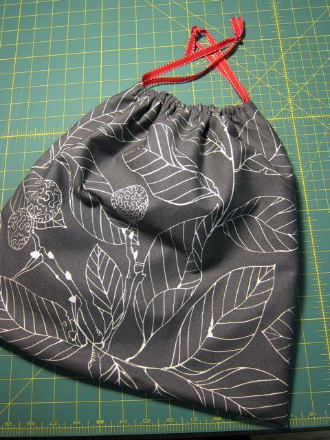 Oversized Knit/Crochet Project Bag | Red-Handled Scissors
