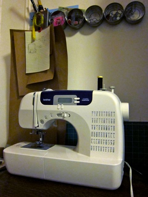 Review: Brother CS-6000i Computerized Sewing Machine for Craft Test Dummies | Red-Handled Scissors