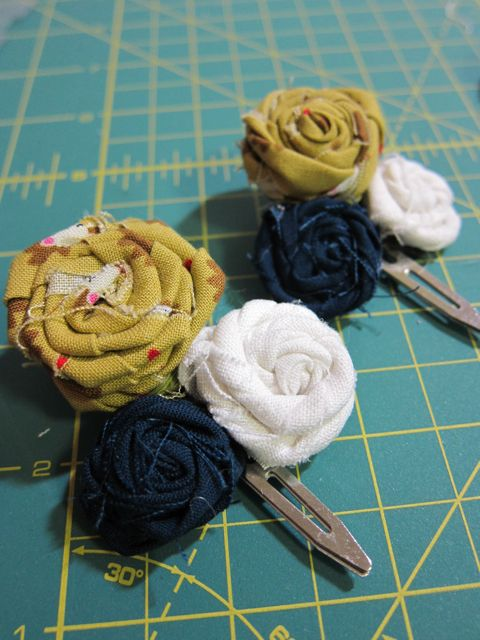 Tutorial: Fabric Rosette Barrette | Red-Handled Scissors