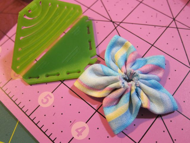 Review: Clover Kanzashi Flower Makers: Pointed Petal for Craft Test ...