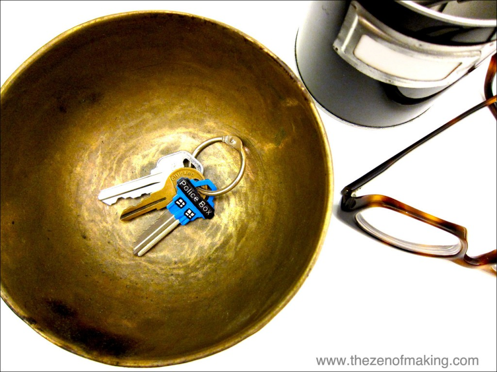 Tutorial: Painted TARDIS Keys | Red-Handled Scissors