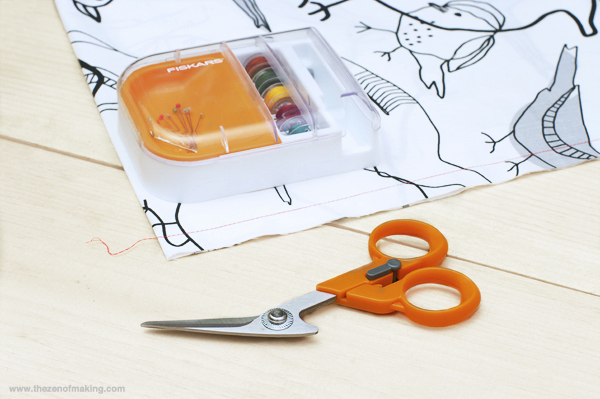 Review: Fiskars Detail Scissors & Seam Ripper-in-one with Multipurpose Organizer | The Zen of Making