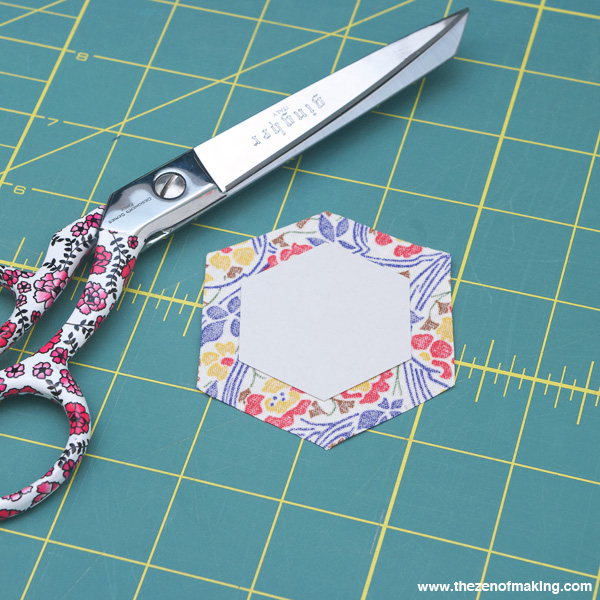 Tutorial: English Paper Piecing, Hexies Part 1 | The Zen of Making