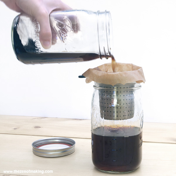 Recipe: Mason Jar Cold Brew Coffee | Red-Handled Scissors