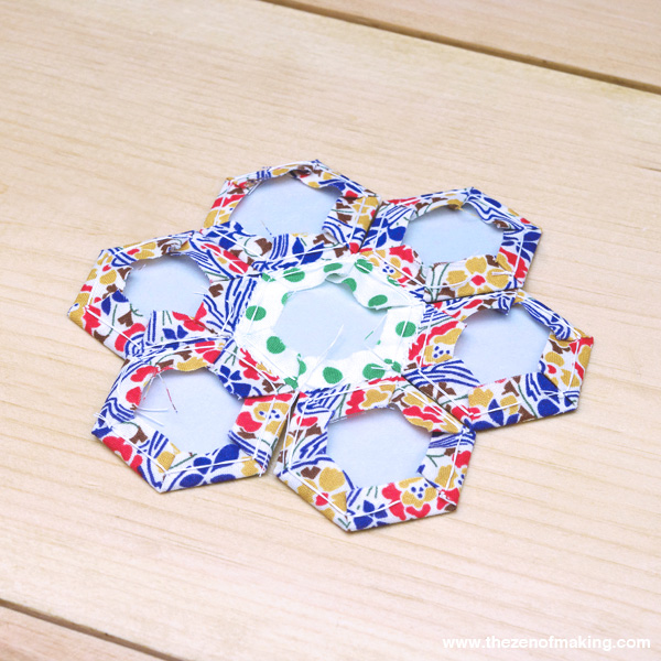 Tutorial: English Paper Piecing, Hexies Part 2 | The Zen of Making