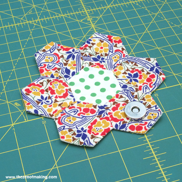 Tutorial: English Paper Piecing Travel Kit, Hexies Part 3 | Red-Handled Scissors