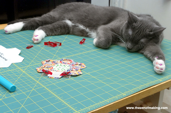 Sunday Snapshot: Hexie Cat is Helping | Red-Handled Scissors
