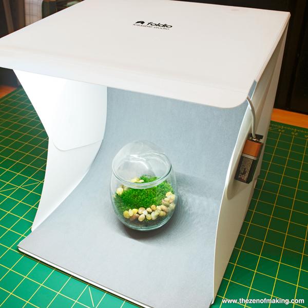 Review: Foldio Portable Mini Photo Studio | Red-Handled Scissors