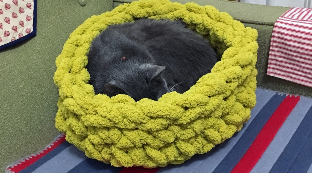 Project Update: Super Bulky Crocheted Cat Bed with Bernat Blanket Big Yarn