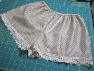 Tutorial: Custom Tap Pants for Craftzine.com   Red-Handled Scissors
