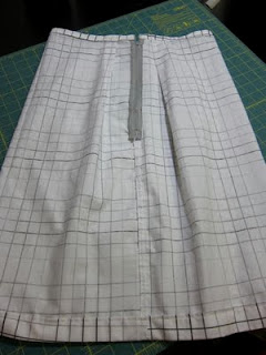 Tutorial: Pillowcase Pencil Skirt | The Zen of Making